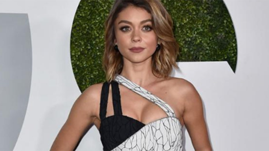 'Modern Family' actress Sarah Hyland reveals she works out naked
