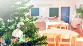 Teacher's 'ridiculous' policy says kids who don't bring food to Christmas party don't get to eat