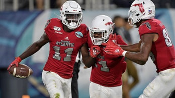 No Kiffin, no problem: FAU rolls past SMU 52-28 in Boca Bowl