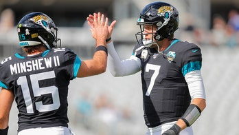 Minshew Mania back in Jacksonville after Nick Foles is benched