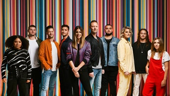 Kari Jobe, Cody Carnes join Hillsong Worship for 'revival' tour in 2020