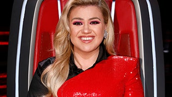 Kelly Clarkson says she's not 'the worst mom ever' after dyeing daughter's hair, ensures it's safe