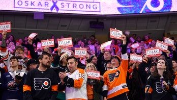 Flyers dedicate 4-1 victory to cancer-stricken teammate