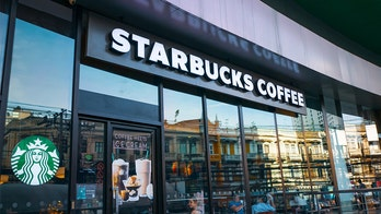 Starbucks apologizes after 2 uniformed California deputies were allegedly refused service