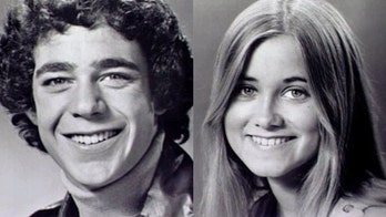 'Brady Bunch' star Maureen McCormick tells all about first kiss with Barry Williams: 'It was good'