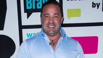 Joe Giudice promises his daughters he'll be 'the best of me in 2020'