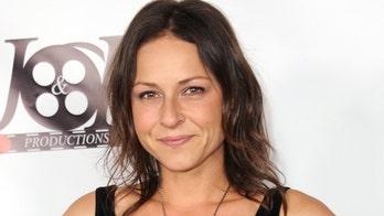'The Walking Dead' actress Vanessa Cloke arrested for assault: report