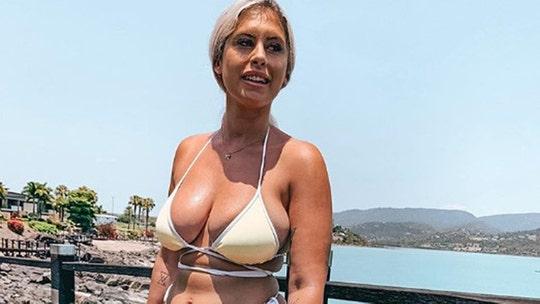 Australian Instagram influencer poses in bikini to show what she really looks like