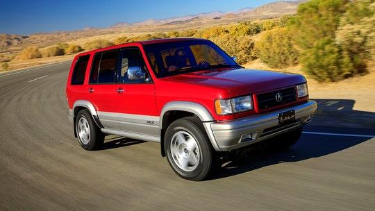 Acura reboots 1996 SLX SUV with latest tech for retro car show