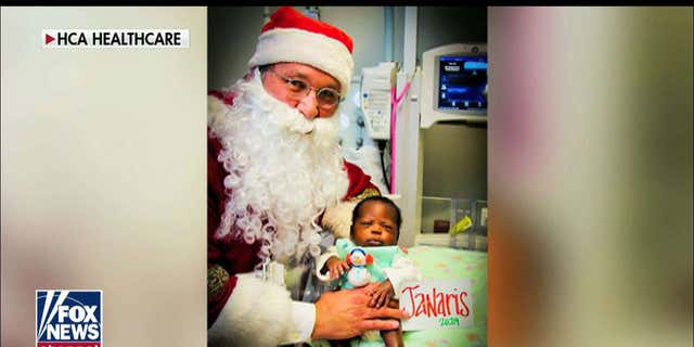 Westlake Legal Group 42171843-ENC3_132208016756570000 NICU nurse knits festive 'ugly' Christmas sweaters for fragile babies: 'It's important' Julia Musto fox-news/special/occasions/christmas fox-news/shows/fox-friends-weekend fox-news/media/fox-news-flash fox-news/health fox-news/entertainment/events/babies fox news fnc/media fnc article 031be7d2-84e4-5d6f-91c9-c9c090794942 /FOX NEWS/LIFESTYLE/OCCASIONS/Holiday