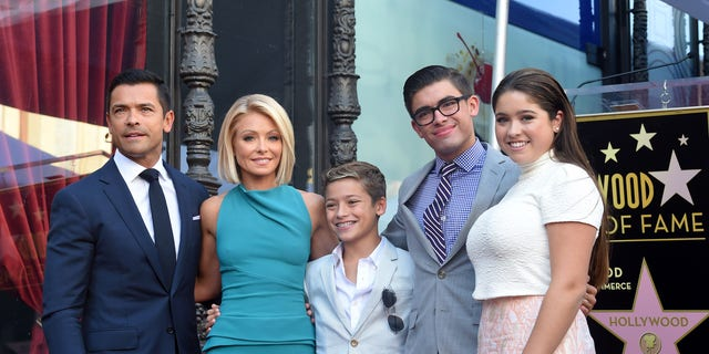 Mark Consuelos, Kelly Ripa and their children Joaquin, Michael and Lola in 2015. (Photo by Axelle/Bauer-Griffin/FilmMagic)