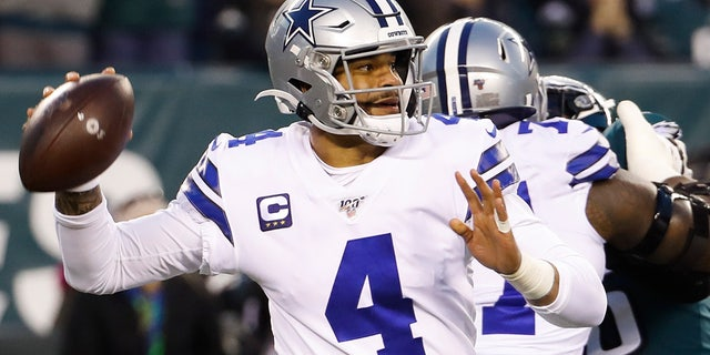 Dallas Cowboys quarterback Dak Prescott throws a pass during the first half of an NFL football game against the Philadelphia Eagles Sunday, Dec. 22, 2019, in Philadelphia. (AP Photo/Chris Szagola)