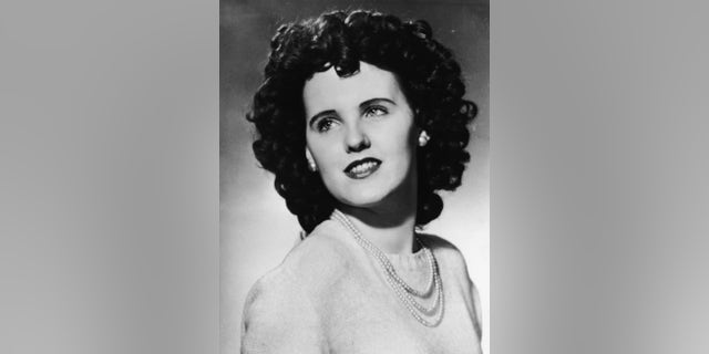 Studio headshot portrait of aspiring American actress and murder victim Elizabeth Short (1924 - 1947), circa 1940s. Short became known as the Black Dahlia after her body was discovered in a vacant lot in Hollywood, Calif., her corpse naked and severed in two. The murder still remains unsolved.