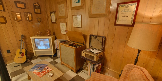 Julie Fudge works closely with the Patsy Cline Museum to ensure her mother's legacy is well-protected.