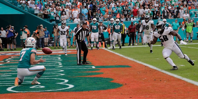 Westlake Legal Group Jason-Sanders Miami Dolphins' trick-play touchdown ignites upset win over Philadelphia Eagles Ryan Gaydos fox-news/sports/nfl/philadelphia-eagles fox-news/sports/nfl/miami-dolphins fox-news/sports/nfl fox news fnc/sports fnc article 7e99c89b-bed2-5a8f-aa85-4a95cd96baf2