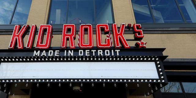 Kid Rock ditches Detroit restaurant after Oprah Winfrey rant