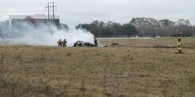 A twin-engine plane with 6 people on board crashed in Lafayette, Louisiana.