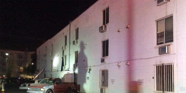 Las Vegas apartment complex fire kills 6, injures 13