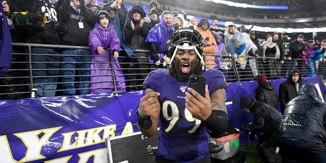 The Ravens placed the franchise tag on Matthew Judon. (AP Photo/Nick Wass)