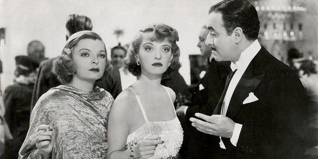 """Mayo Methot in 1937's """"Marked Woman"""" with Bette Davis and Allen Jenkins."""