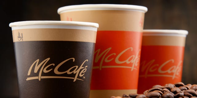 Kansas Policeman Gets Coffee Cup With Offensive Message at McDonald's