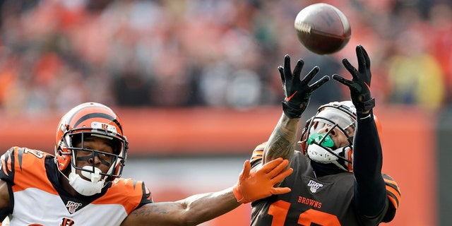 Kitchens: Browns not sitting banged-up Beckham