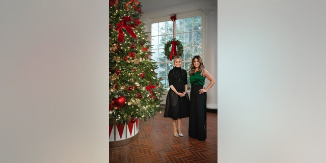 (L) Maureen McCormick and (R) Alison Victoria,<strong> </strong>star of 'Windy City Rehab,' co-host the White House Christmas special