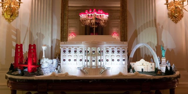 Westlake Legal Group White-House-Christmas-2019-14 White House unveils Christmas decor with 'Spirit of America' theme Janine Puhak fox-news/special/occasions/holiday fox-news/lifestyle fox-news/house-and-home fox news fnc/real-estate fnc article 69dedc76-82d9-50d9-afb9-1deb816e314e /FOX NEWS/LIFESTYLE/REAL ESTATE