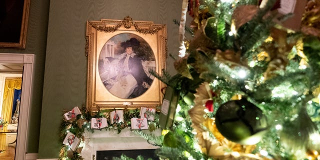 Westlake Legal Group White-House-Christmas-2019-8 White House unveils Christmas decor with 'Spirit of America' theme Janine Puhak fox-news/special/occasions/holiday fox-news/lifestyle fox-news/house-and-home fox news fnc/real-estate fnc article 69dedc76-82d9-50d9-afb9-1deb816e314e /FOX NEWS/LIFESTYLE/REAL ESTATE