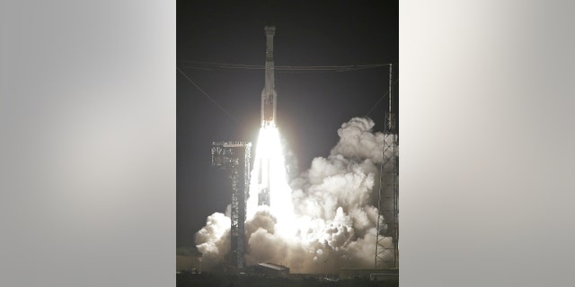 A United Launch Alliance Atlas V rocket carrying the Boeing Starliner crew capsule on an Orbital Flight Test to the International Space Station lifts off from Space Launch Complex 41 at Cape Canaveral Air Force station, Friday, Dec. 20, 2019, in Cape Canaveral, Fla. (AP Photo/Terry Renna)