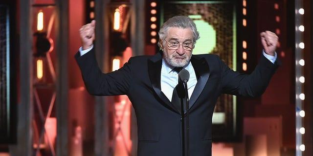 Robert De Niro wants 'bag of s**t' on President Trump's face