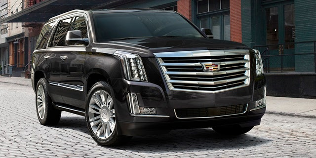 Leaked photos of 2021 Cadillac Escalade hit the Internet ...