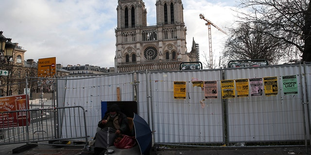 Notre Dame Cathedral Can T Celebrate Christmas Mass For First Time In 200 Years Following Devastating Fire Fox News
