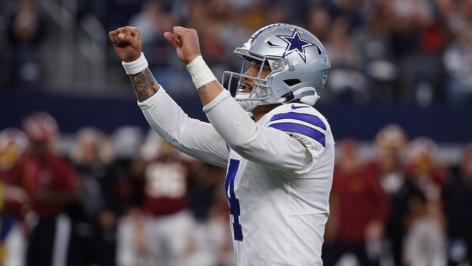 Cowboys' Dak Prescott helps homeless in Texas cold by delivering 1000 meals