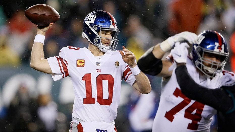 Eli Manning visits Giants' owner John Mara, expresses interest in working for team: report