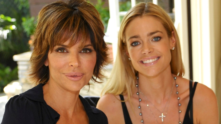 Lisa Rinna Posts Fully Nude Pic Amid Feud With Co-Star Denise Richards Im About To -7695