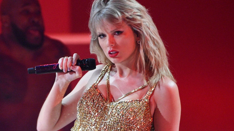Taylor Swift performs 'Betty' at 2020 ACM Awards, first time on the stage in seven years