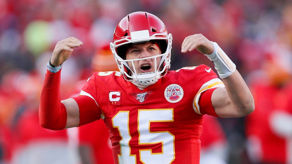 Chiefs QB Mahomes lands 10-year contract extension for massive amount