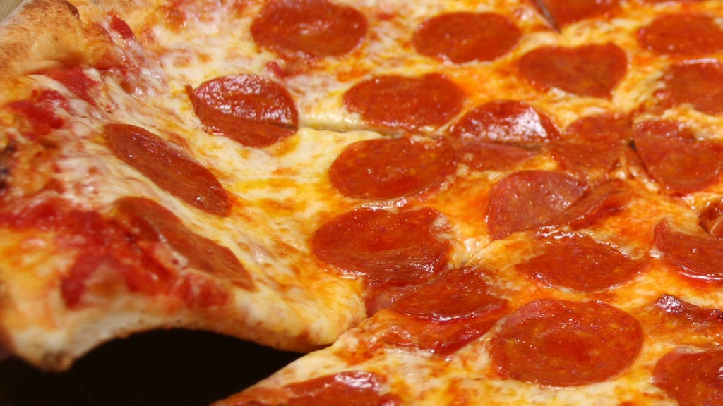 Pizzeria tests out using oven to make needed medical supplies