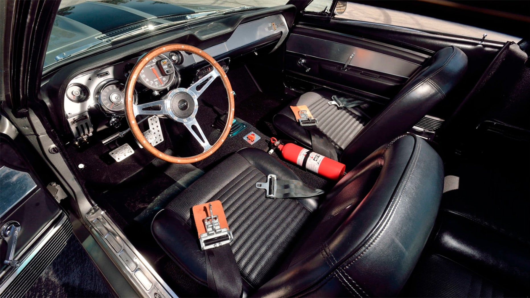 'Eleanor' Ford Mustang interior