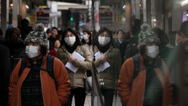 China extends Lunar New Year holiday to contain coronavirus as death toll rises