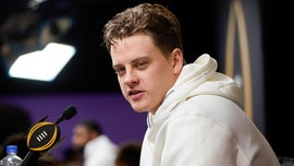 Hall of Fame quarterback sees himself in Bengals' rookie quarterback Joe Burrow