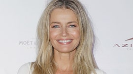 Paulina Porizkova celebrates turning 55 in quarantine with throwback bikini pic: 'I will feel pretty today'