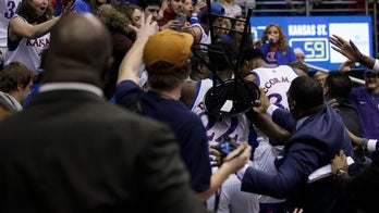 Kansas, KSU game ends in massive brawl after late block