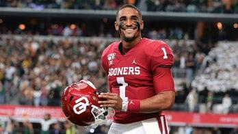 Jalen Hurts eyes NFL, with 'boulder' not chip on shoulder