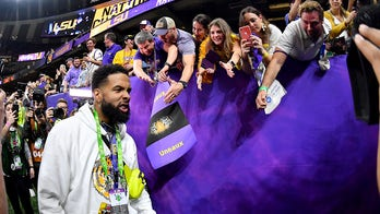 Odell Beckham Jr. banned from LSU facilities after handing out cash at national championship game: report