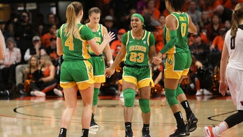 Oregon moves up to No. 3 in AP women's basketball poll