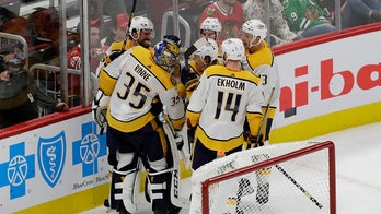 Rinne scores as Predators beat Blackhawks 5-2
