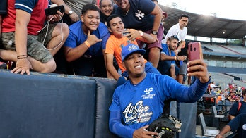Royals star catcher Salvador Perez to become US citizen