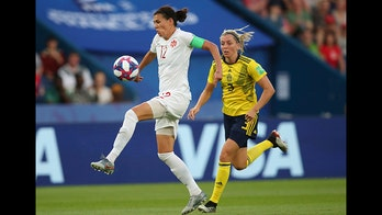Christine Sinclair passes Abby Wambach to become international soccer's all-time leading goal scorer